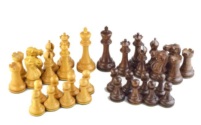 34 Schachfiguren inkl. 2 extra Damen, aus Buchsbaum (weiß) und eboniesiertem Holz (schwarz)